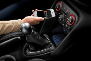Chrysler Group LLC introduces industry-first in-vehicle wireless